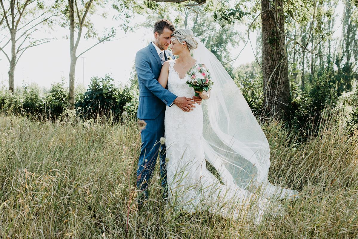 Hochzeit auf Wiese